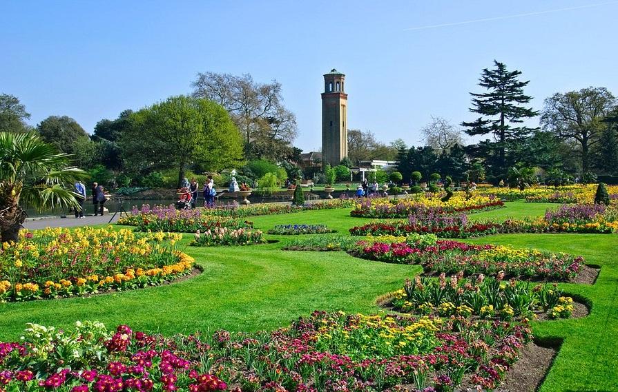 Башня в Королевских садах Кью